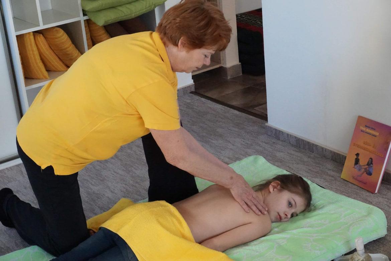 Gyermekmasszázs mozgás és terápiák